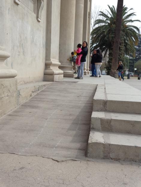 Picture 1: Rampa de entrada al Museo